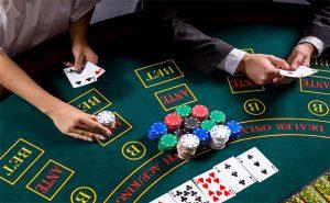 เพลิดเพลินกับเกมที่มีอัตราสูงมากบนโต๊ะบาคาร่าใหญ่